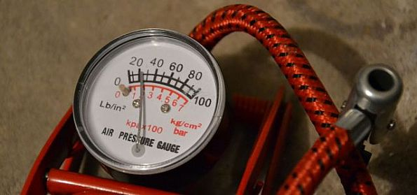 Zbyt wysokie ciśnienie w oponach szkodzi