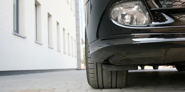 Wpływ zbieżności kół na trakcję samochodu